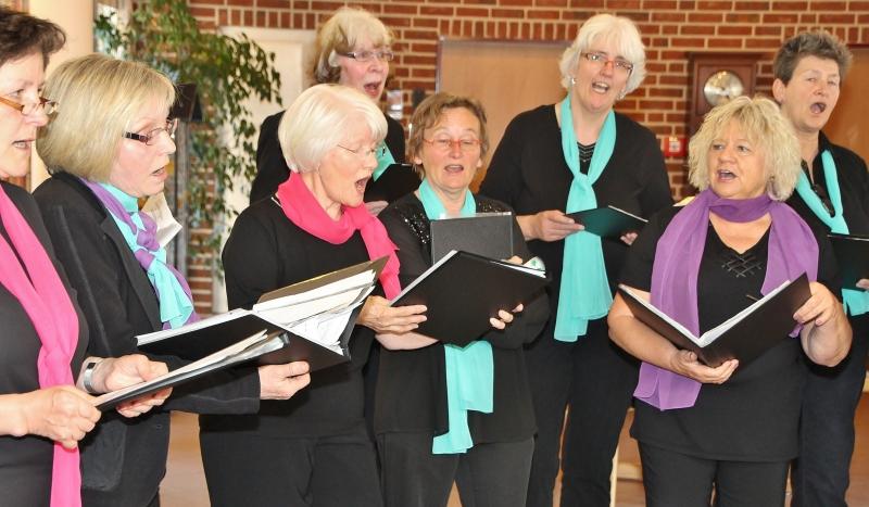 0419sr-Frauenchor singt im Seniorenhaus St. Martin02-pebo.jpg